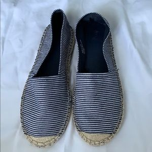 URBAN OUTFITTERS Espadrille Sandals